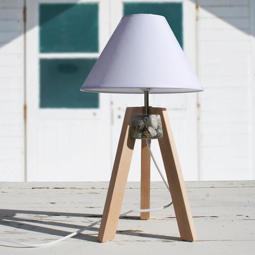 Pebble Tripod Lamp